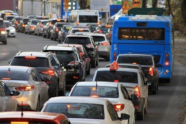 traffic jam. online shopping vs in-store shopping
