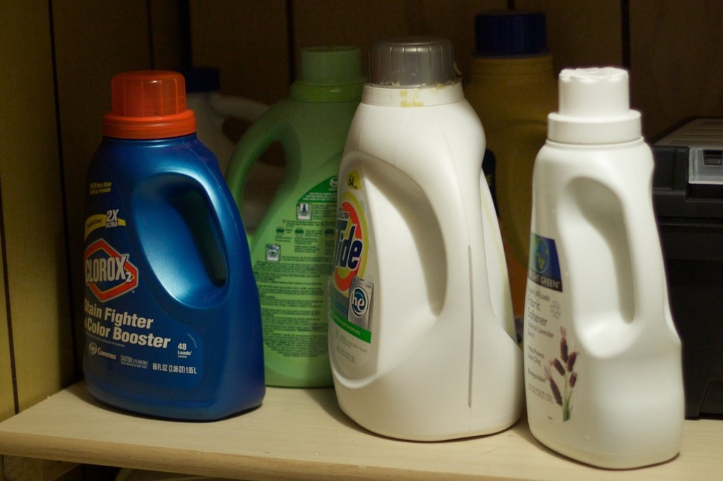 cleaning products. toxic chemicals in cleaning products